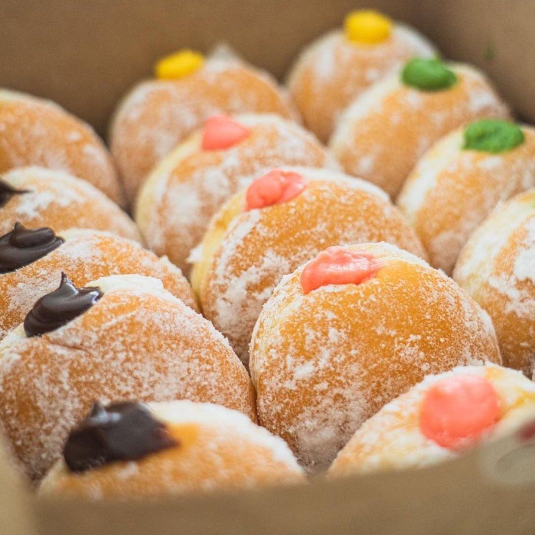 delish hotel pillow donut
