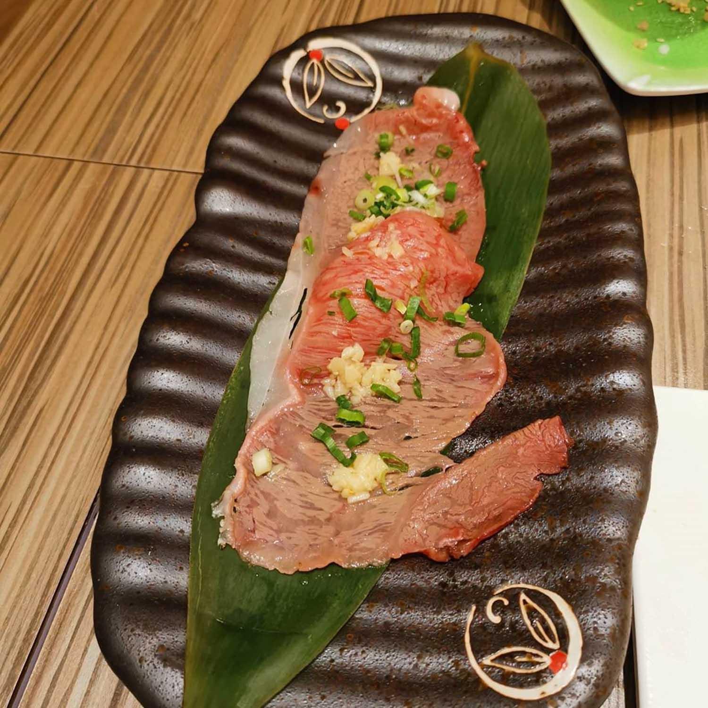 itacho sushi 1-for-1 - roasted kagoshima wagyu beef sushi