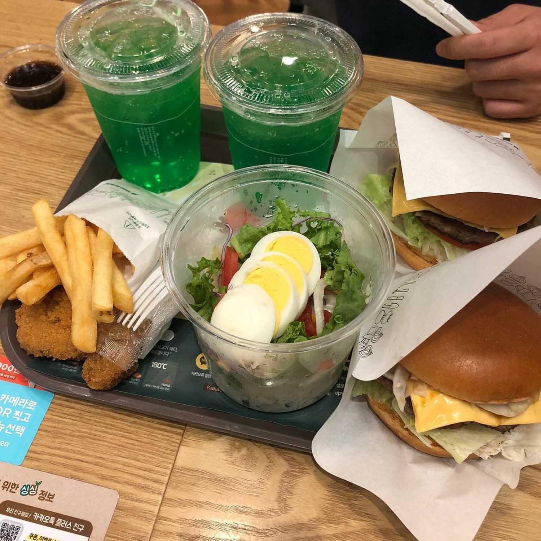 MOS Burger Express - South Korean MOS Burger express