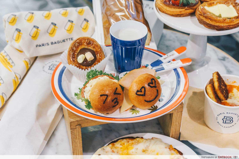 Paris Baguette Northpoint - mini burgers