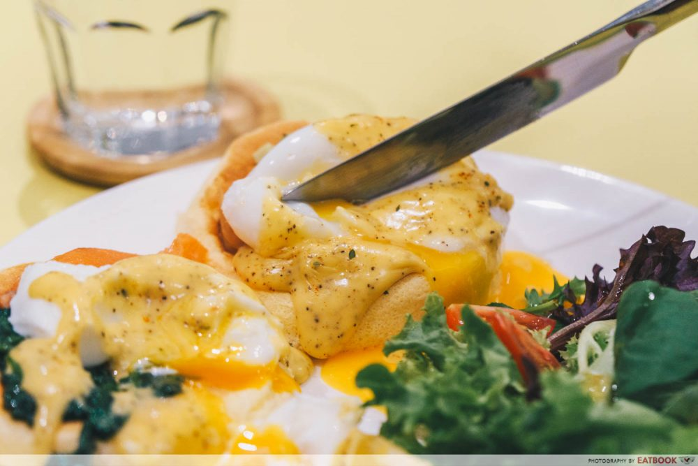 eggs benedict souffle pancakes flippers