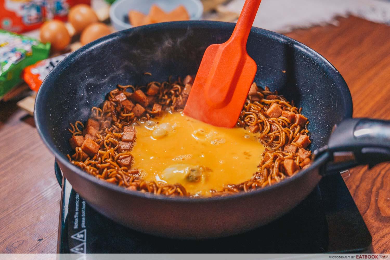 instant noodles - stir fry noodles
