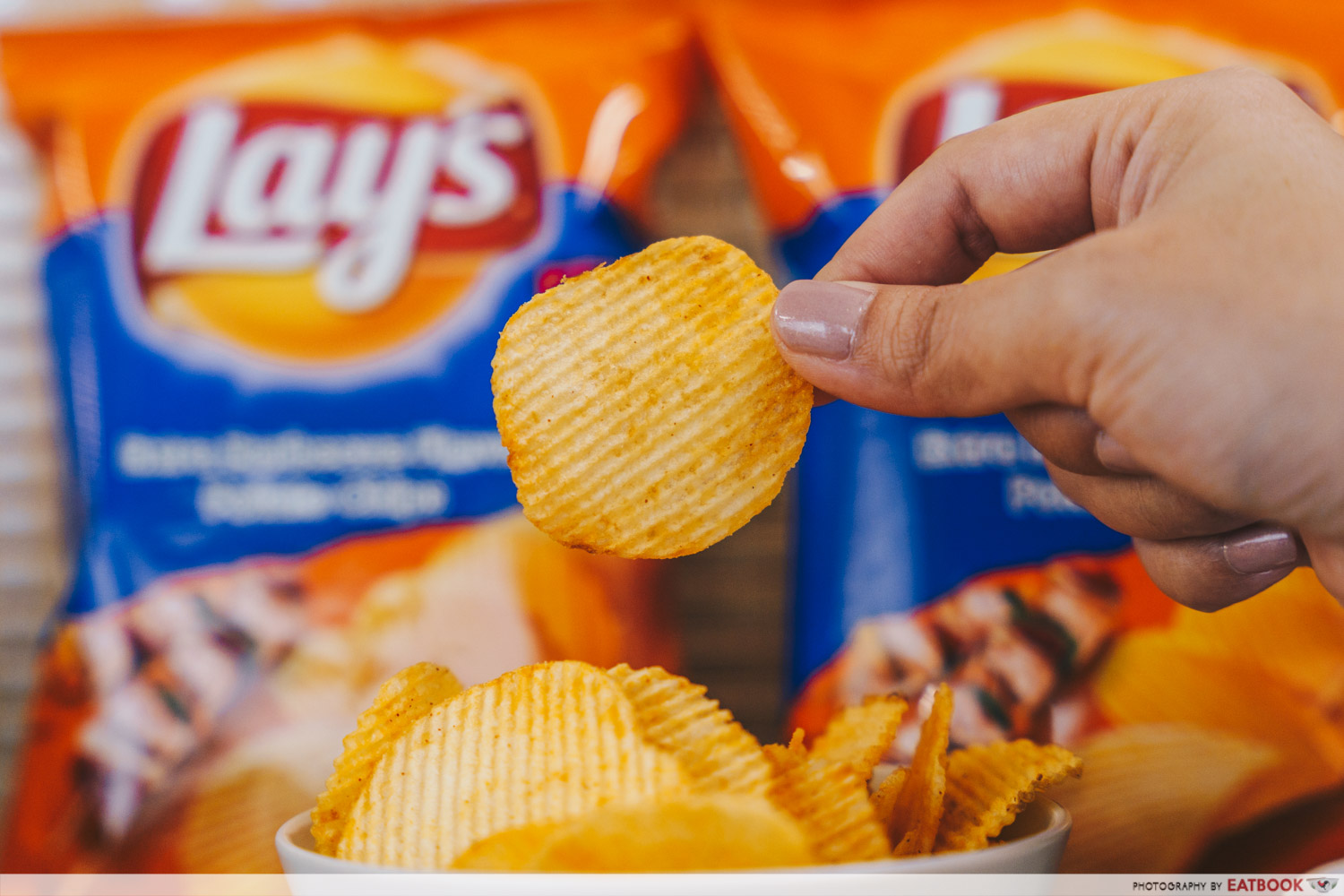 lay's potato chips - extra barbecue