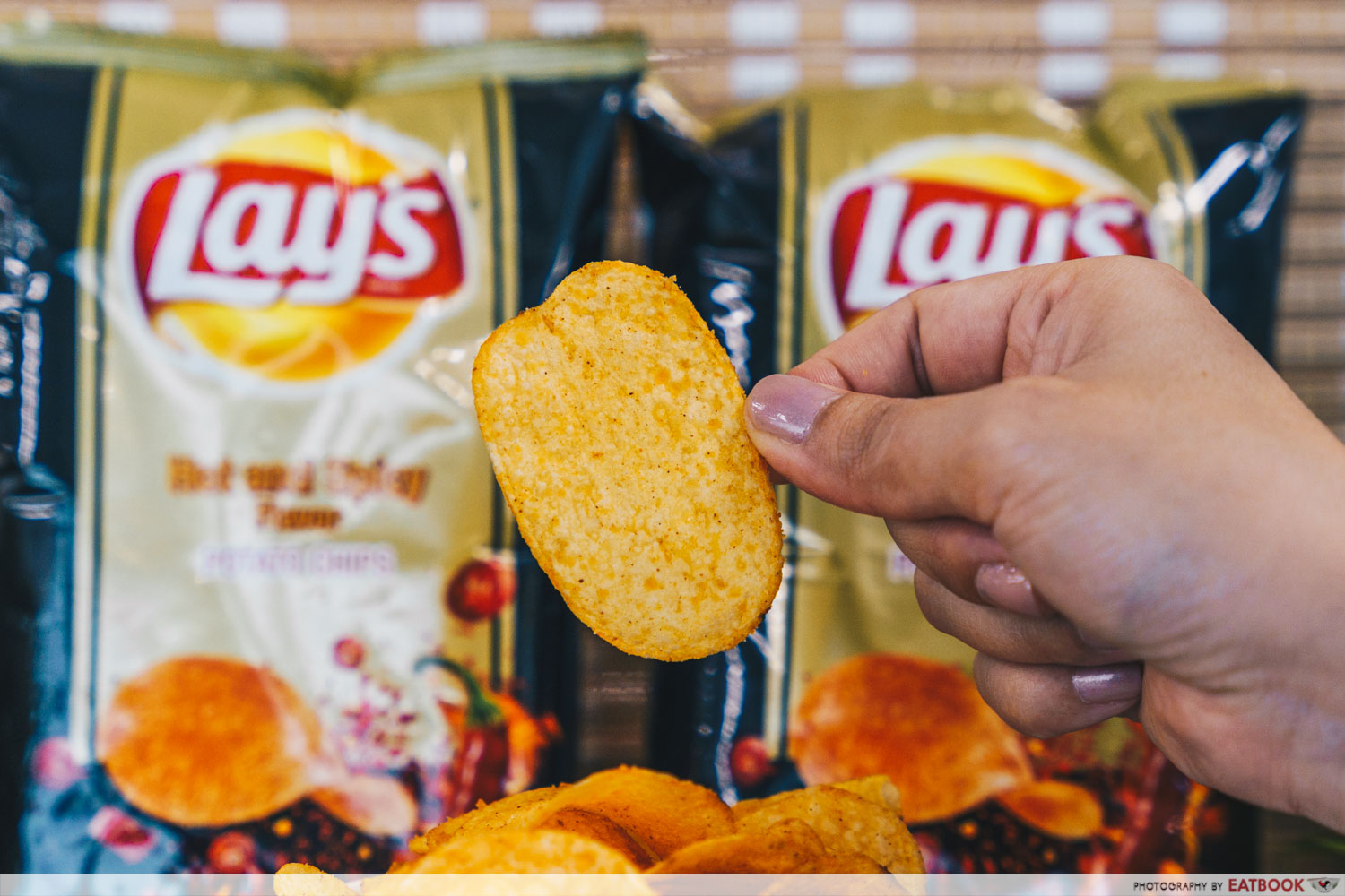 lay's potato chips - hot and spicy