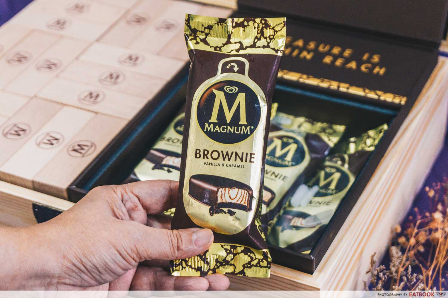magnum brownie close up