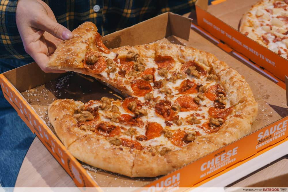 3 meat treat pizza