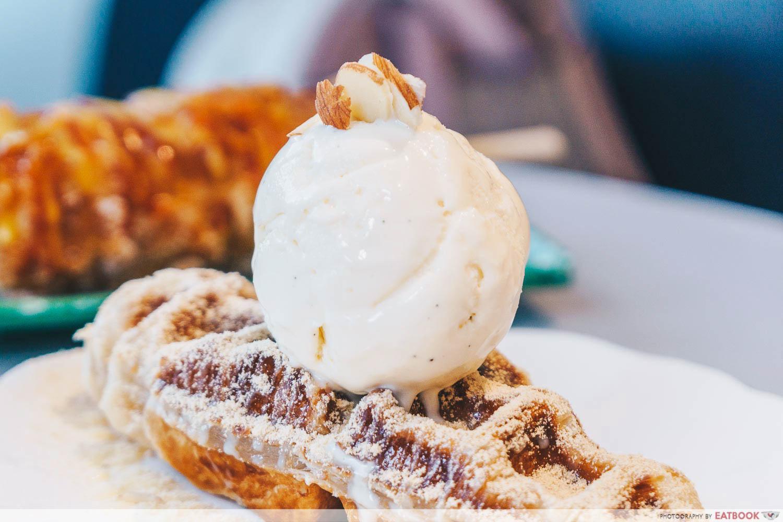 croffle ice cream
