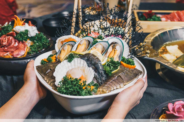 yanxi palace steamboat seafood platter