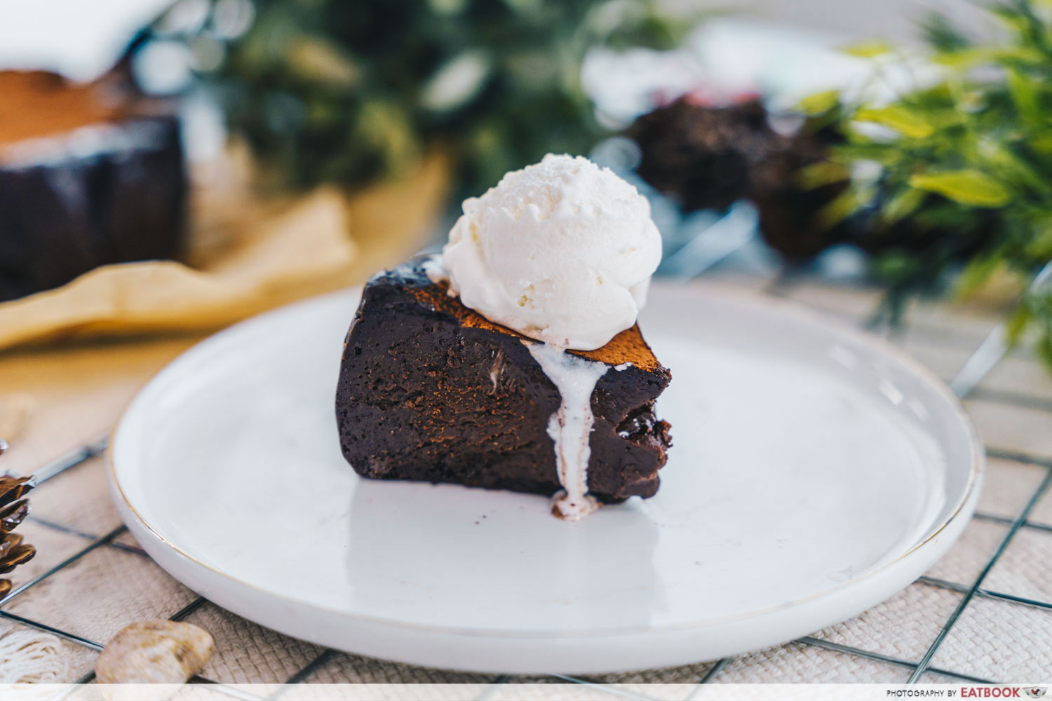 baked chocolate melt - with ice cream