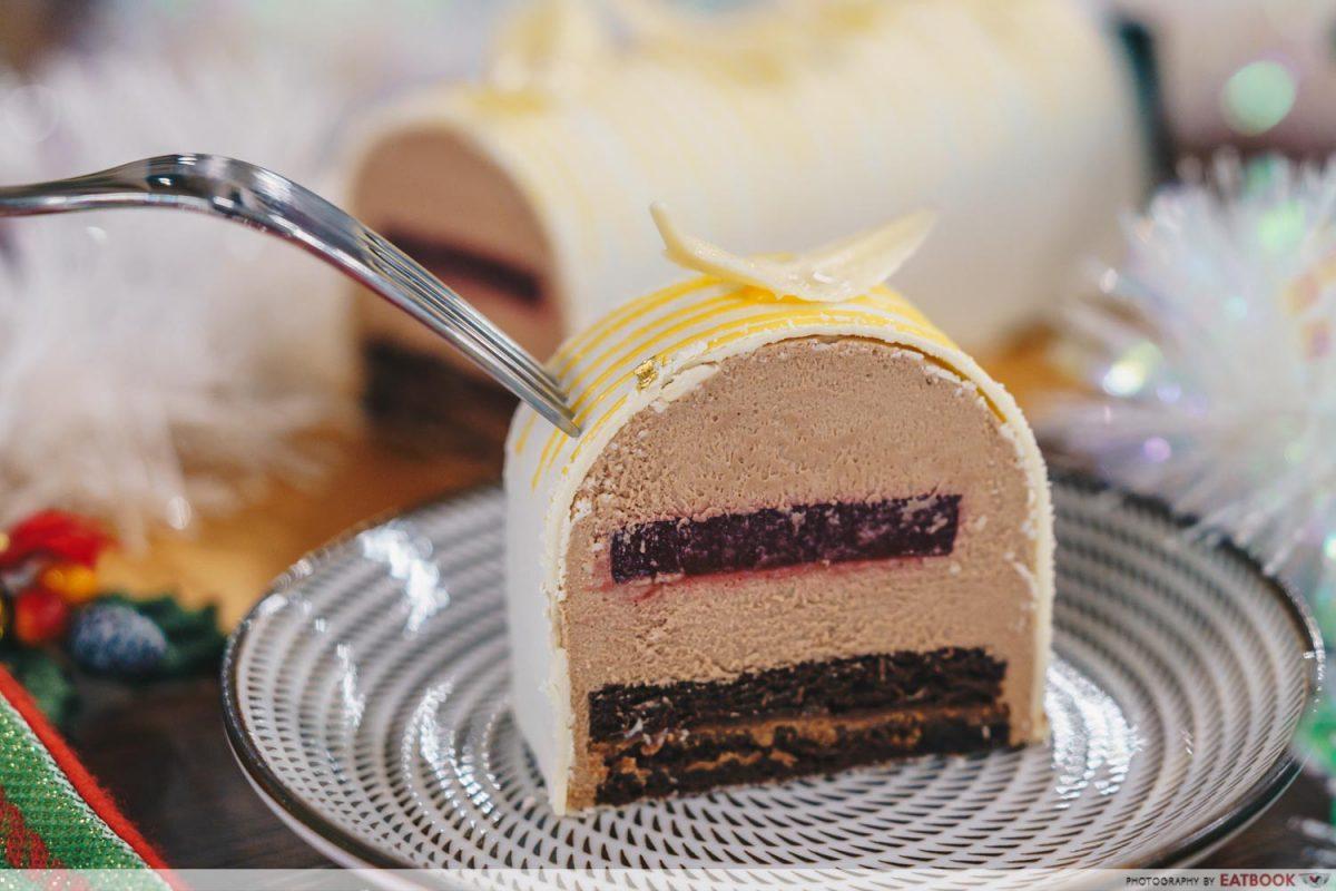 tcc log cake