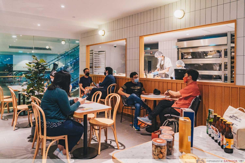 paris baguette second floor