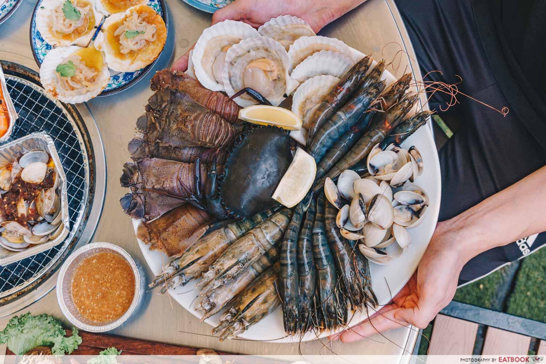 Three Peacocks - Seafood Platter