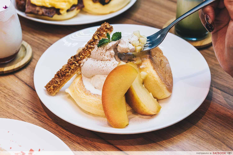 flipper's souffle pancakes aomori apple