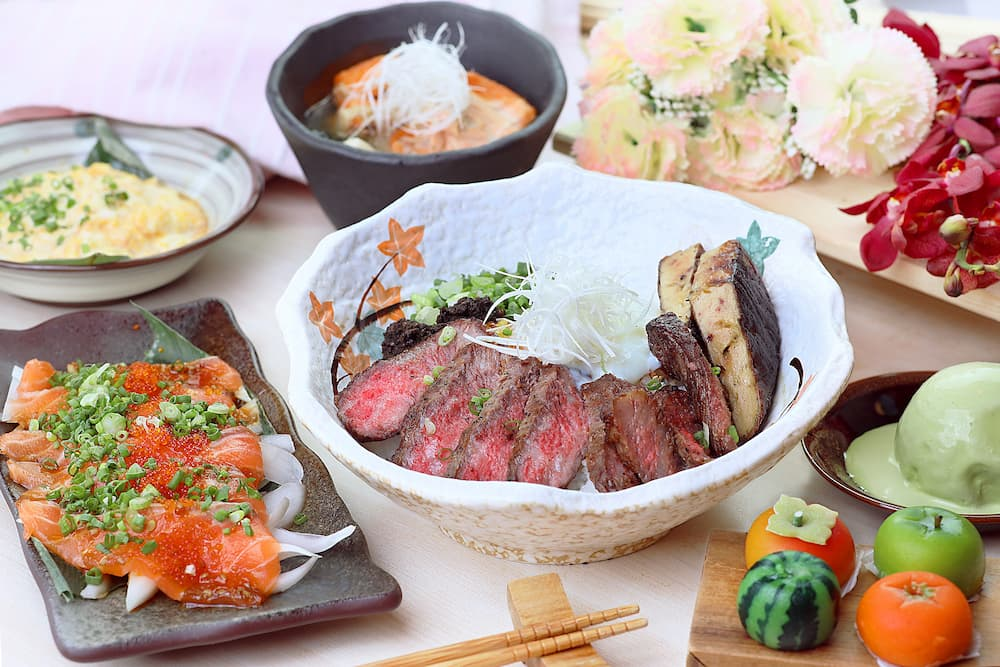 Mother's Day A4 Wagyu Set Side hinode