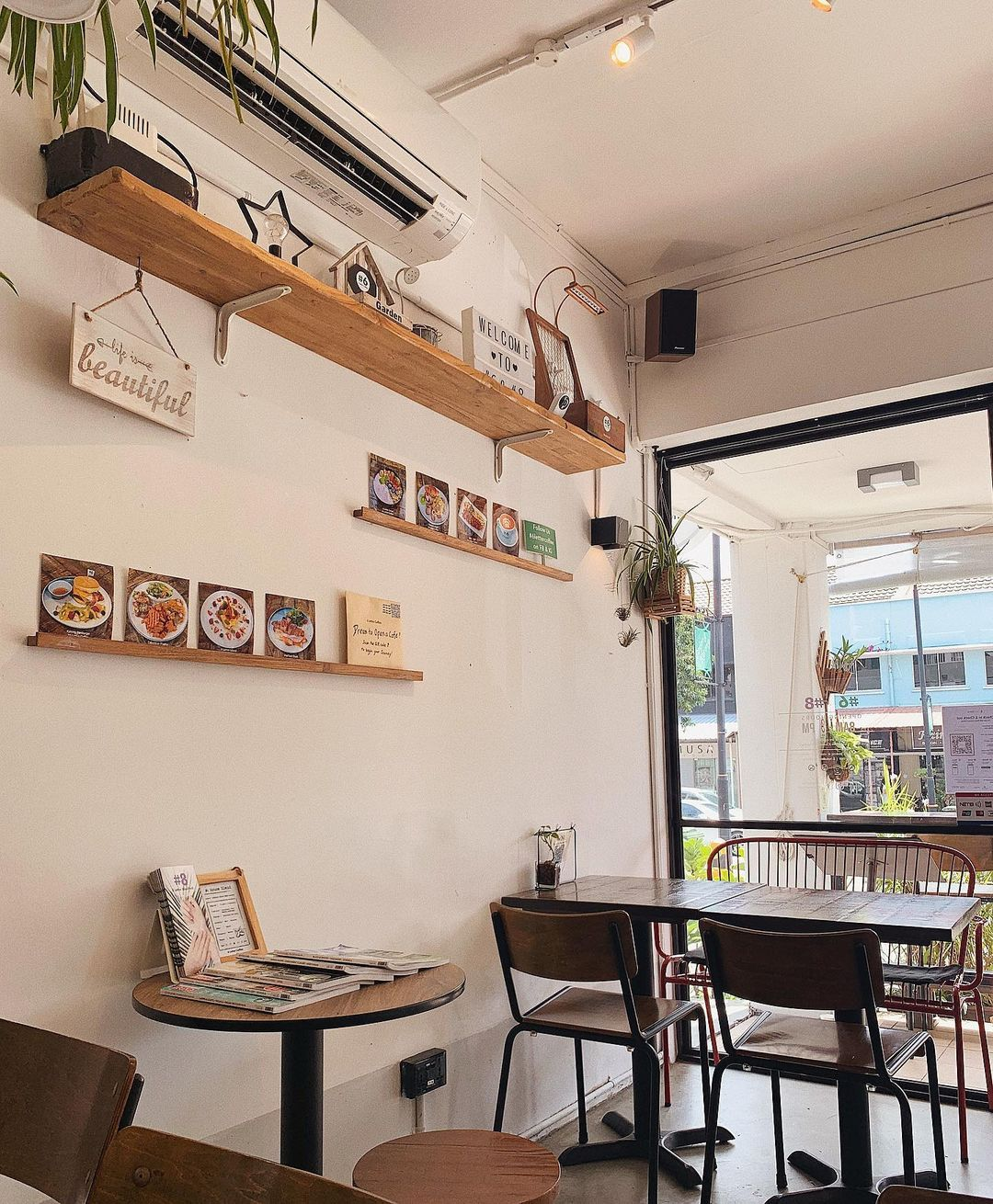 6 letter coffee cafes singapore studying working