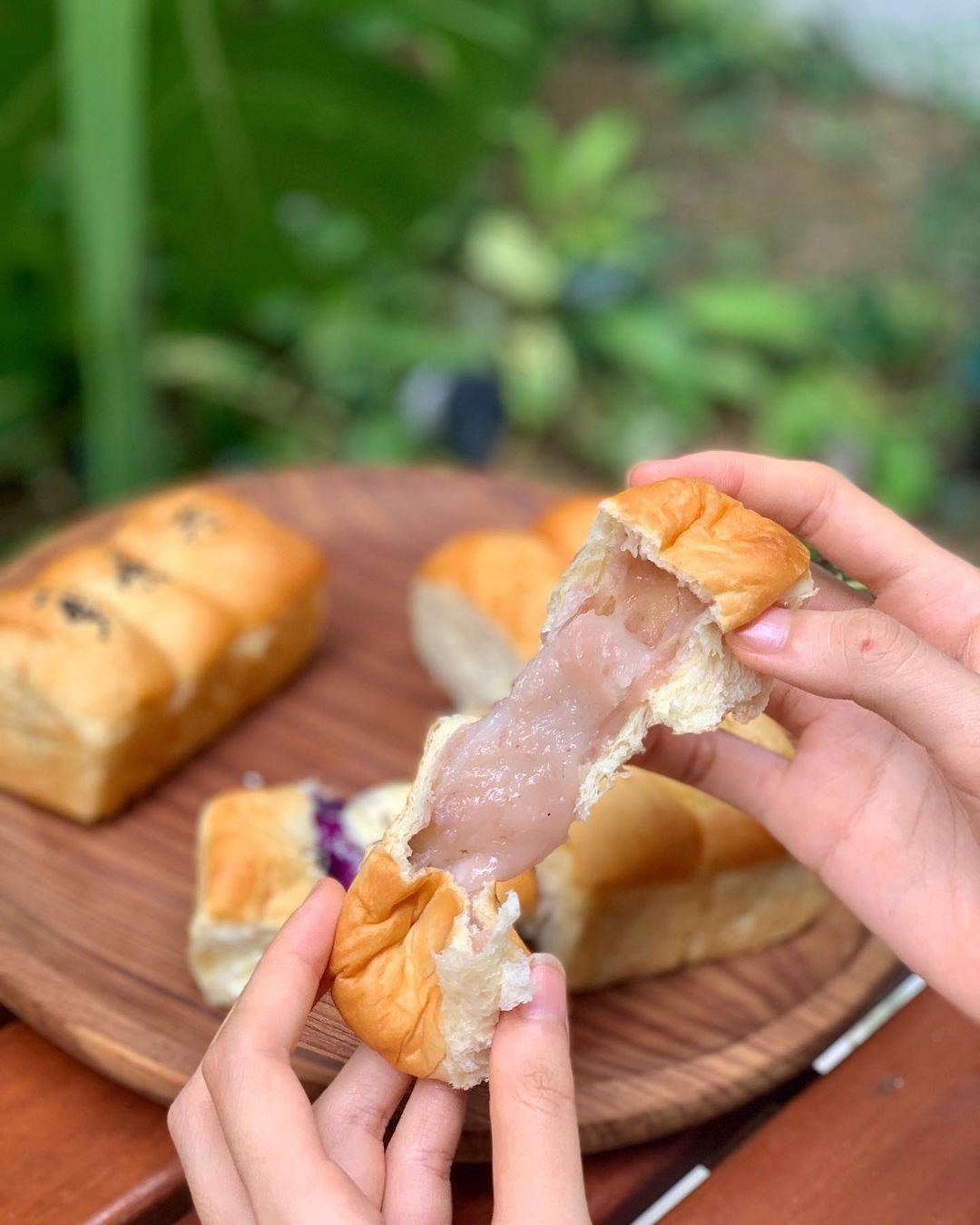 jo-yi bakery mochi pull