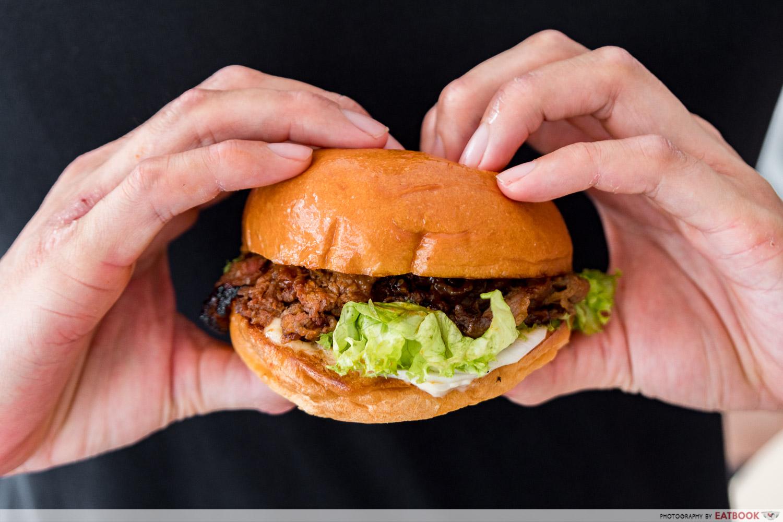 BBBurgers - bulgogi burger