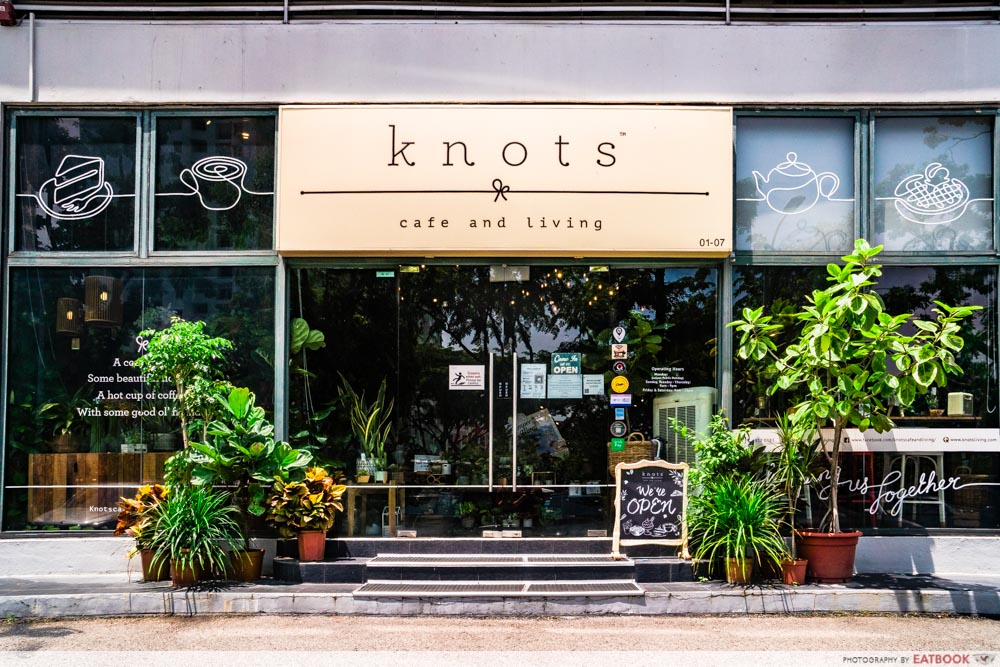 KNOTS CAFE STOREFRONT