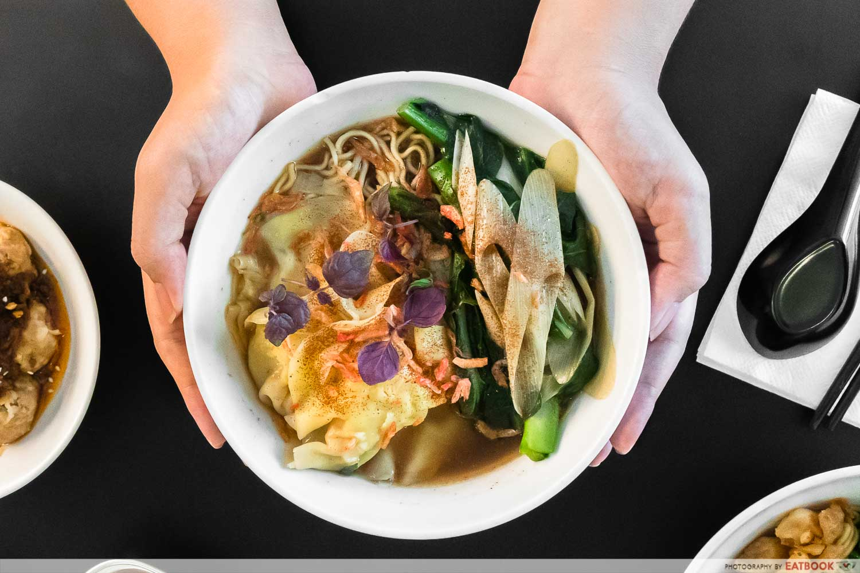 wanton seng's eating house - seafood hk noodle soup