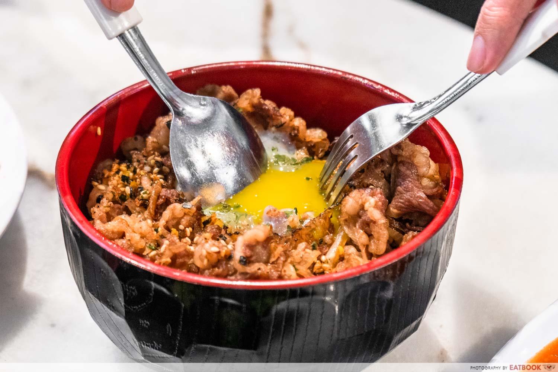 Chef Bui Bui - egg break