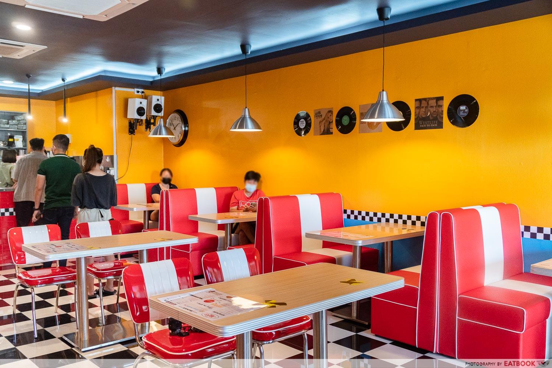 Joji's Diner - ambience