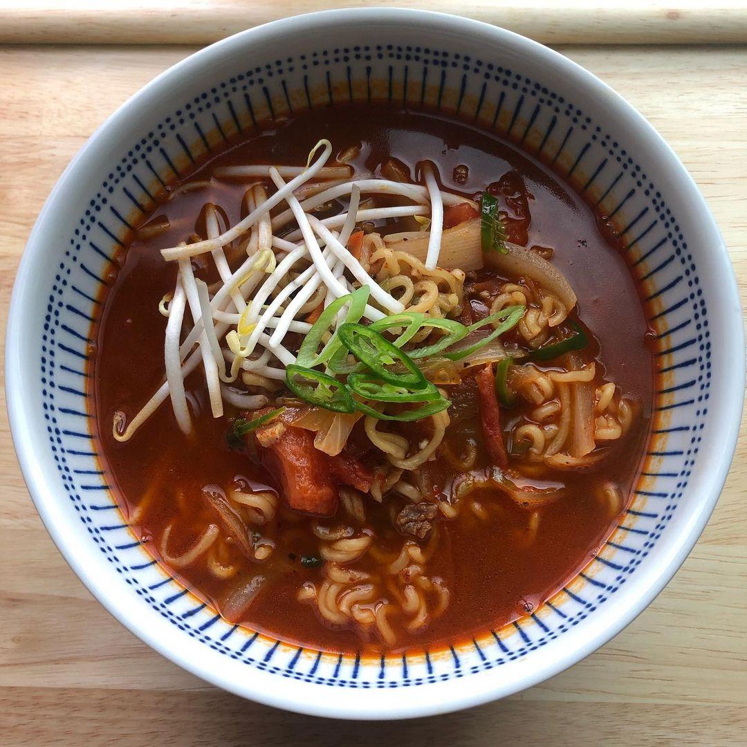 korean celebrity recipes - chenle ramen
