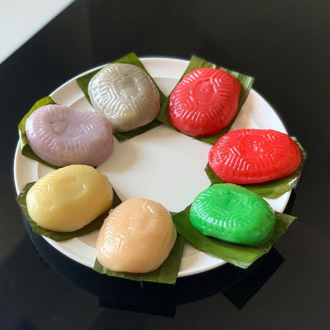 rainbow ang ku kueh ji xiang confectionery - ala carte
