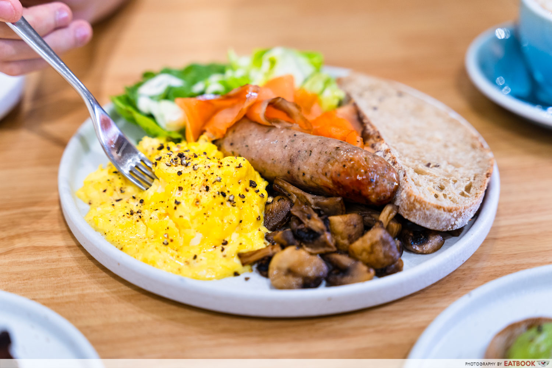 main street commissary breakfast of champions fork on egg