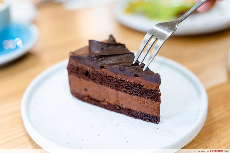 main street commissary valrhona chocolate cake