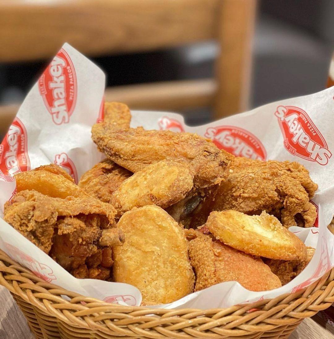 chicken 'n mojos
