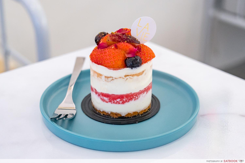 new restaurants july 2021 - la vie cake
