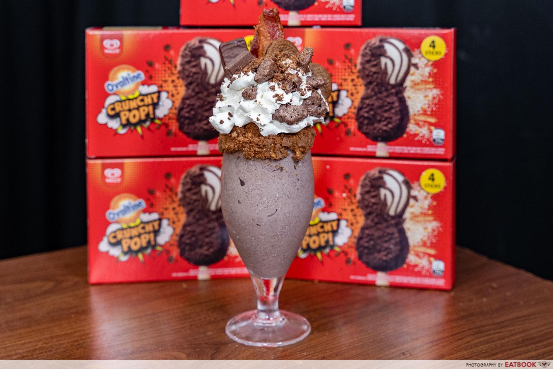 wall's ovaltine crunchy pop ice cream - freakshake shot