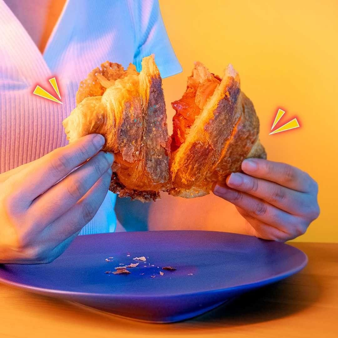 breadtalk pudding roll - Kimcheese Korissant