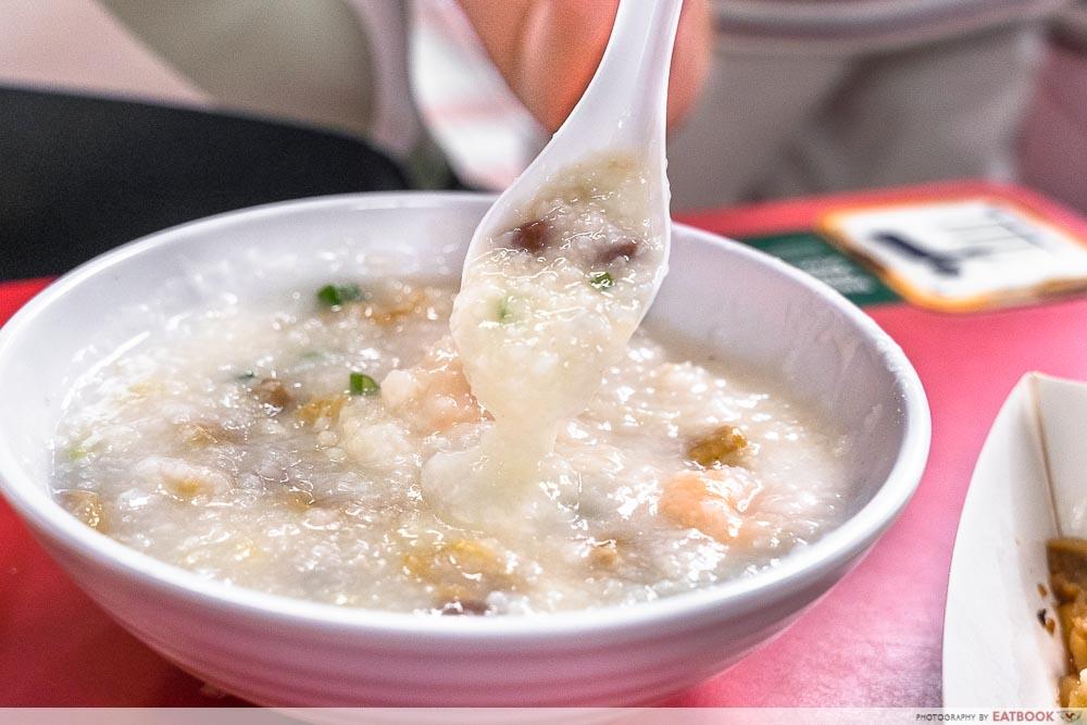 chef leung - congee pour
