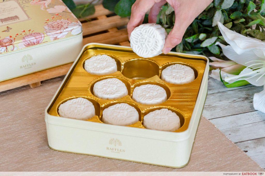 raffles hotel mooncake