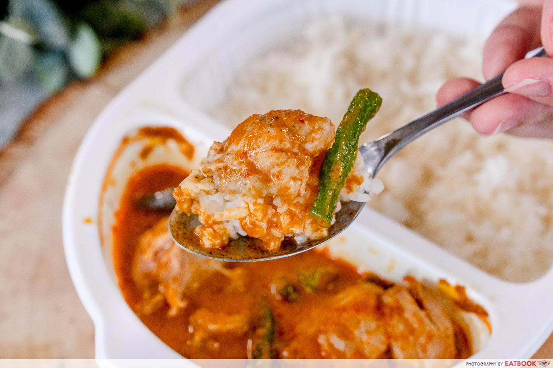 7-eleven thai food - red curry chicken