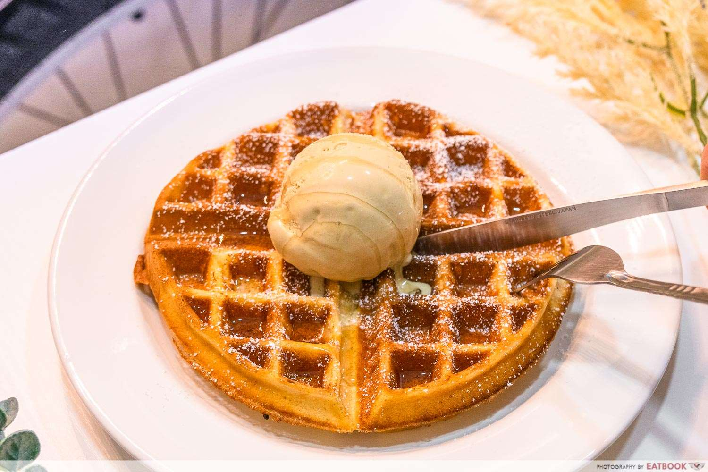 waffles celines gelato review