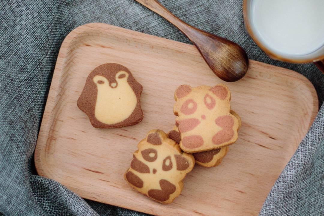 kee wah - panda cookie penguin cookie