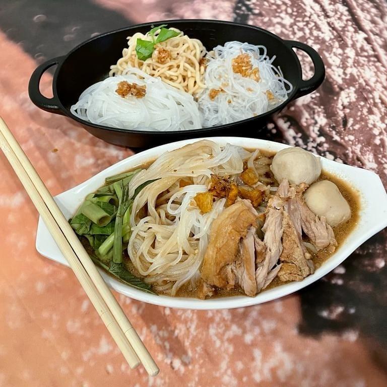 yummy yum by ta-lad thai food
