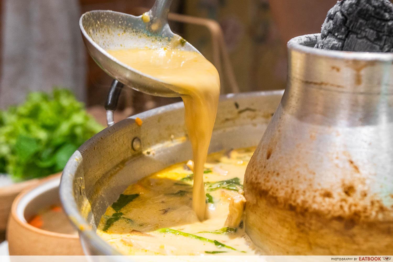 hotpot soup pour