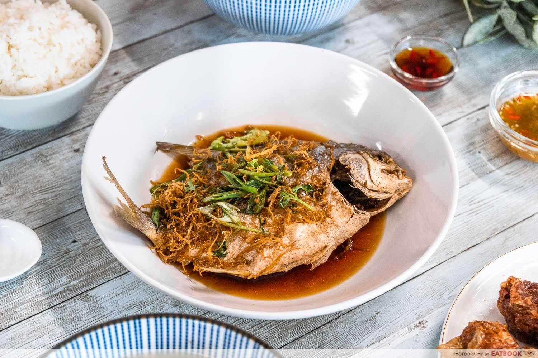 qing feng yuan - deep fried pomfret